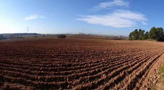 Pretensió d'ocupar sòl industrial per fer fora de l'autopista C16